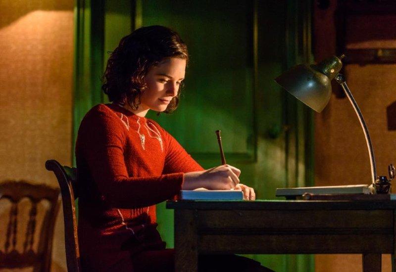 Eva Heijnen als Anne Frank