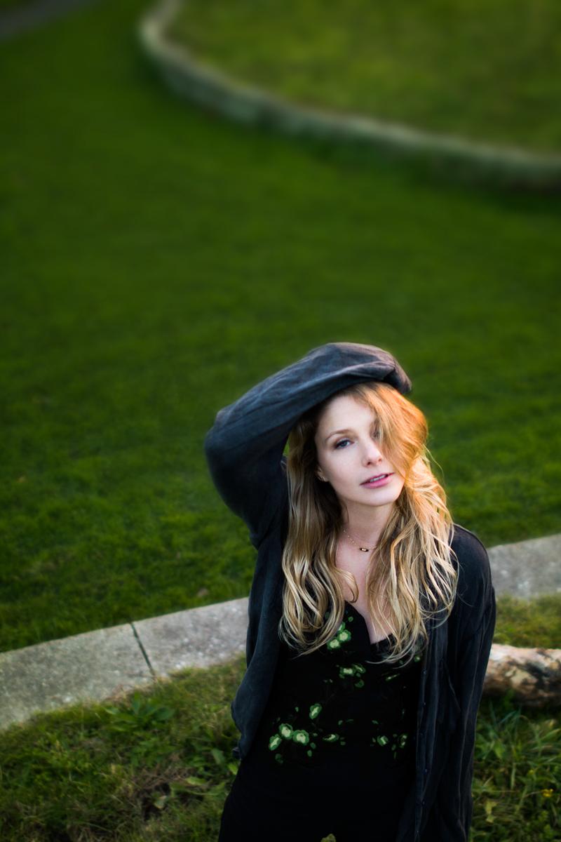 Eva Heijnen by Laurien Riha